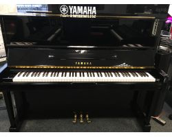Beautiful polished ebony Yamaha U1 acoustic
